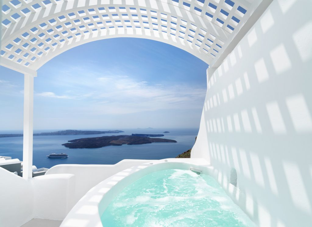 Tholos Honeymoon Suite With Private Outdoor Jacuzzi